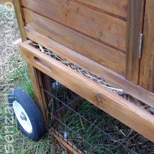 chicken tractor, ossia pollaio mobile