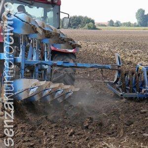 agricoltura tradizionale: lavorazione meccanica